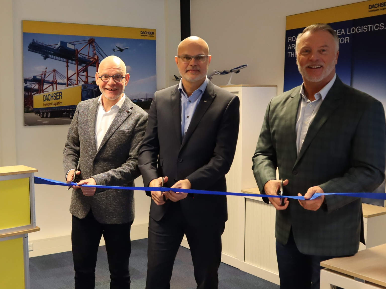 V.l.n.r: Wilco Versteegh, Managing Director DACHSER Air and Sea Logistics Netherlands & Belgium; Raymond Boumans, Branch Manager DACHSER Air & Sea Logistics Maastricht; Aat van der Meer, Managing Director DACHSER Benelux.